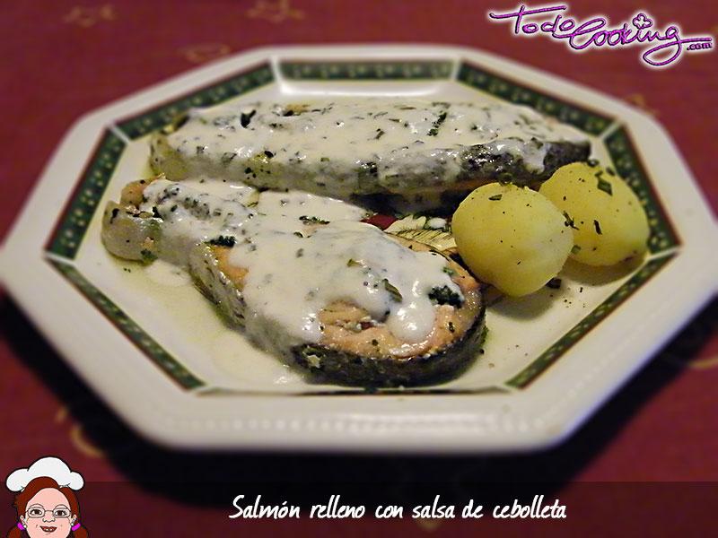 Salmón relleno con salsa de cebolleta