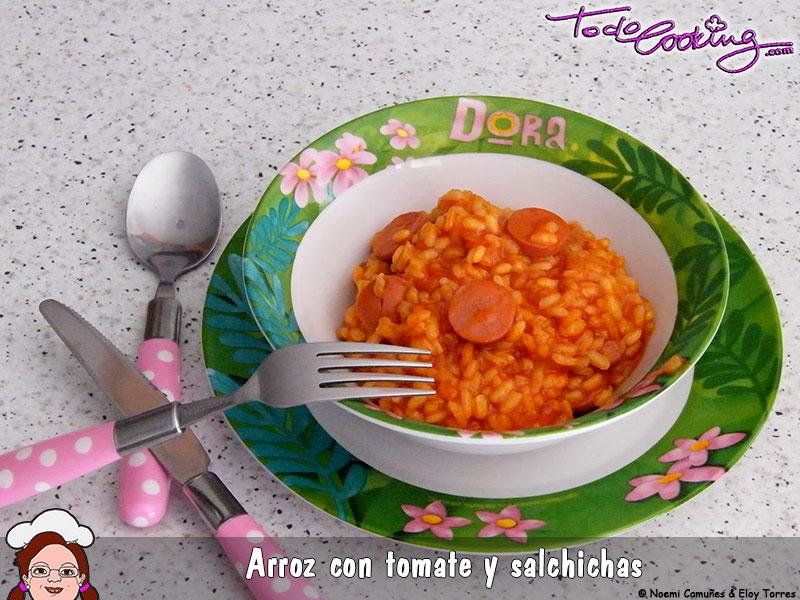 Arroz con tomate y salchichas
