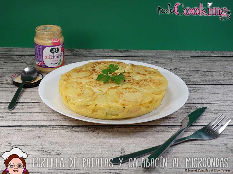 Tortilla de patatas y calabacin en microondas