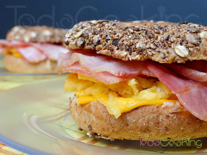 Bagels de tortilla bacon cheddar