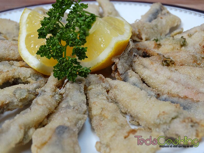 Boquerones fritos al limón