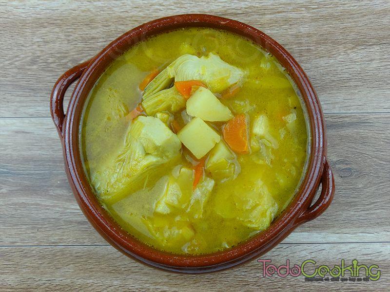 Sopa de alcachofas con curry