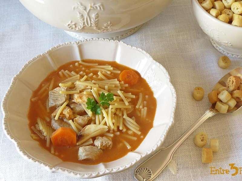 sopa-de-pescado-con-fideos