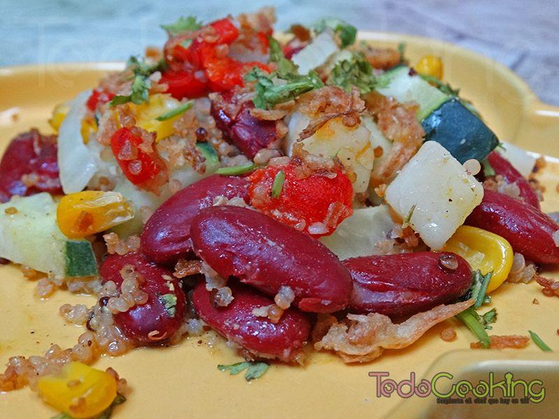 Ensalada de alubias rojas y quinoa